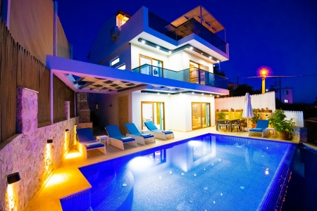Kalkan Kördere'de Özel Havuzlu Satılık Villa
