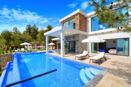 Kalkan İslamlar'da Açık&Kapalı Havuzlu Satılık Villa