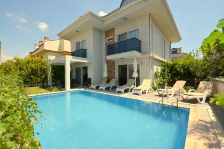 Fethiye Merkez'de Özel Havuzlu Satılık Villa